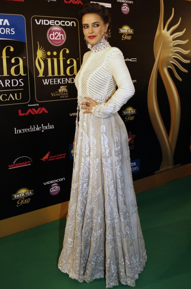 Neha Dhupia IIFA Awards 2013