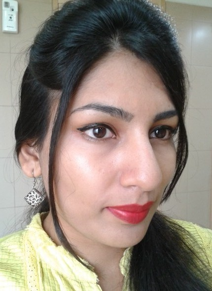 Revlon Super Lustrous Creme Lipstick Love That Red Look
