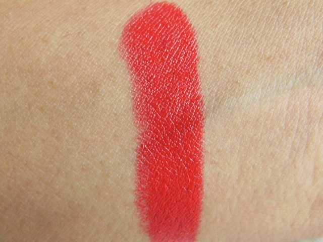 Revlon Super Lustrous Lipstick-Fire & Ice Swatch