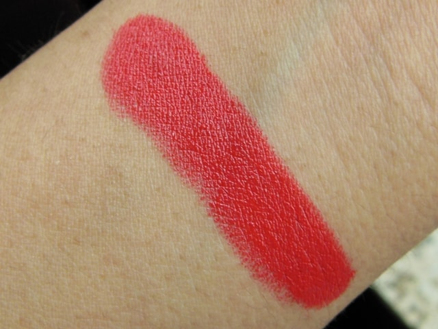 Revlon Super Lustrous Lipstick Fire & Ice Swatch