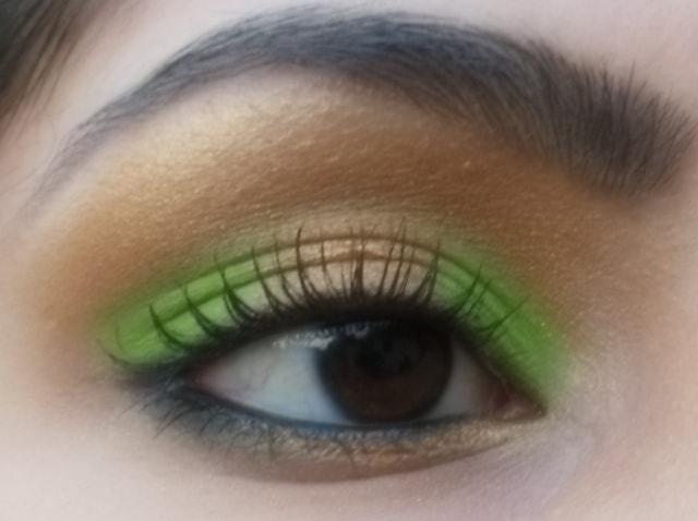 Eye-Makeup-O-Mania- Gold and Green Eye Makeup 4