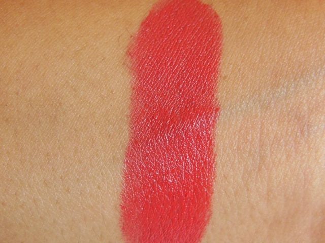 Revlon SuperLustrous Lipstick Love That Pink Swatch