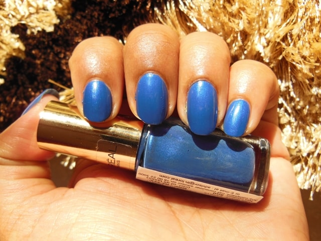L'Oreal Paris Color Riche Le Vernis Nail Enamel Rebel Blue Swatch