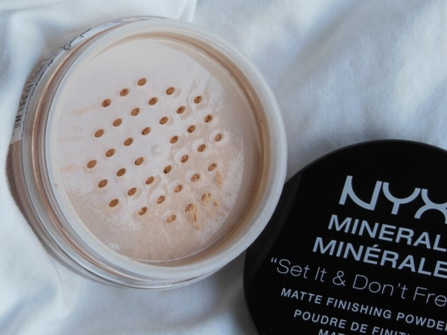 NYX Mineral Matte Finishing Powder 02 Review