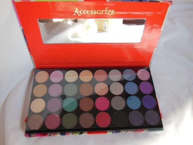 Haul - Accessorize Eye Shadow Palette You are Everything