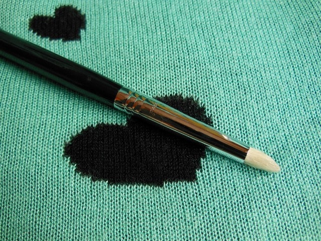 SIGMA Eye Makeup Pencil  Brush E30 Review