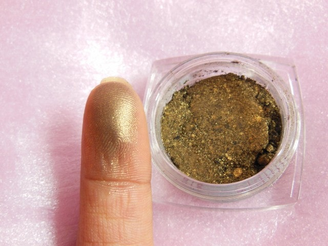 L'Oreal Infallible Cosmic Black  Eye Shadow Swatch