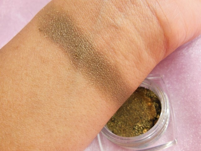 L'Oreal Infallible   Eye Shadow in Cosmic Black Swatch