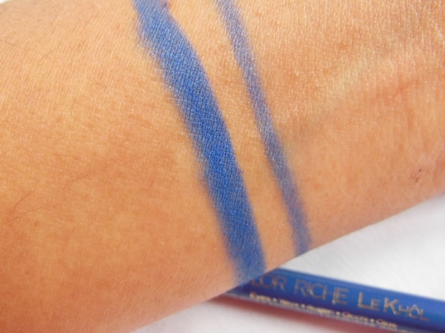 L'Oreal Paris  Color Riche Le Kohl Portofino Blue Swatch