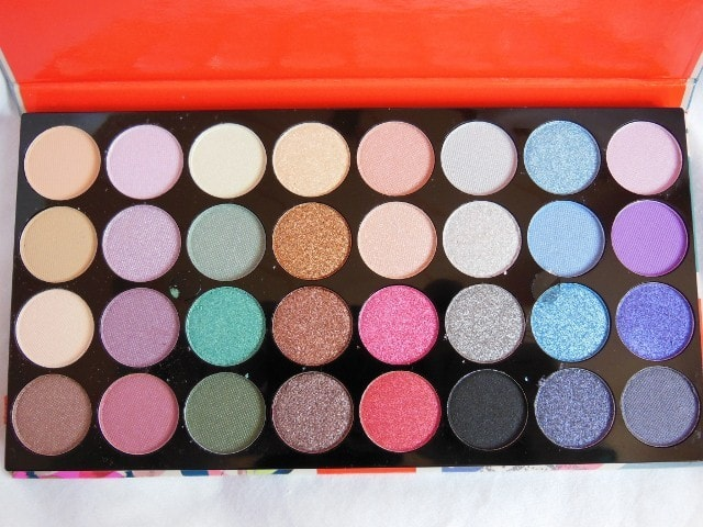 Accessorize Eye Shadow Palette in You Are Everything Review