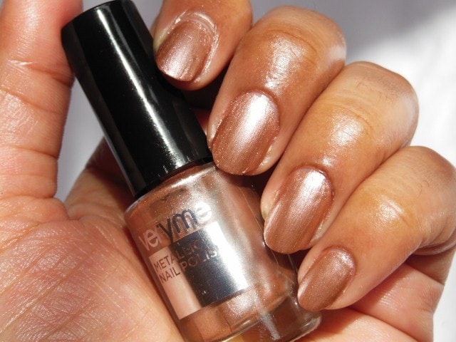 Oriflame very Me Metallic Nail Paint Sweet Candy NOTD2
