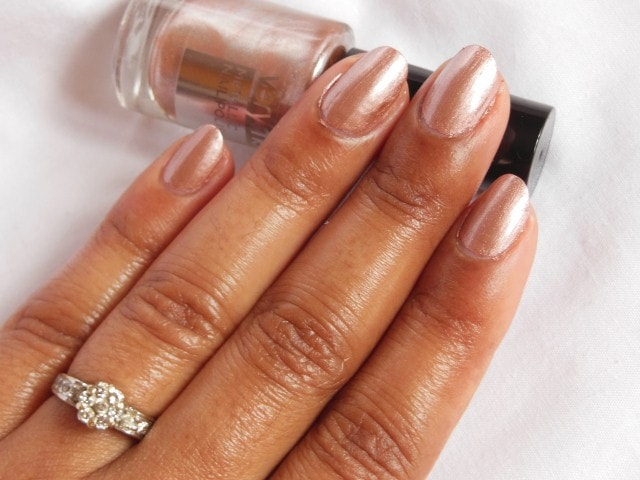 Oriflame very Me Metallic Nail Paint Sweet Candy NOTD3
