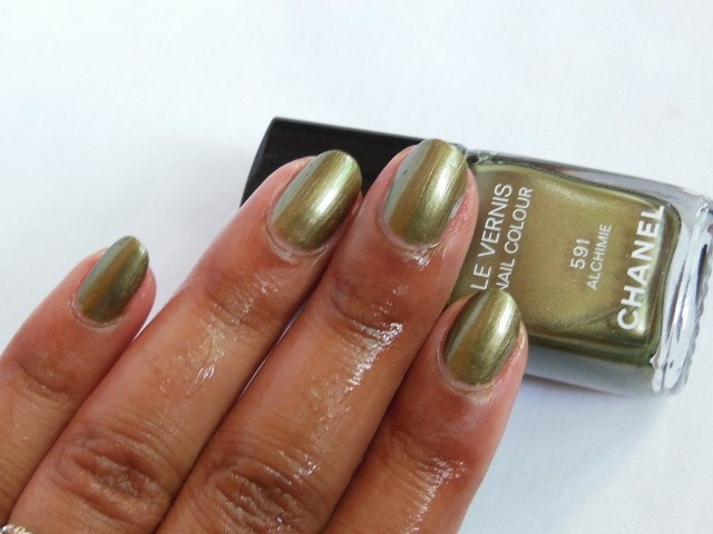 CHANEL Le Vernis Nail Color Alchimie 591 NOTD