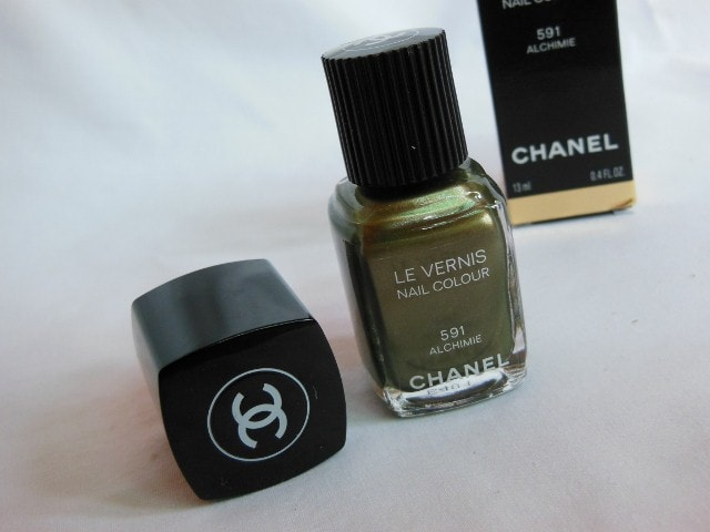 CHANEL Le Vernis Nail Color Alchimie Packaging
