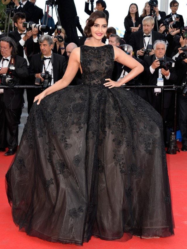Sonam Kapoor in Elie Saab Couture 2014 Cannes Film Festival