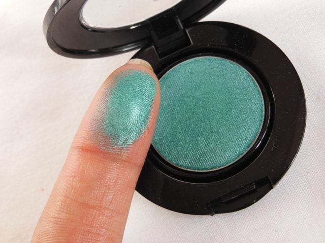 Faces Canada Eye Shadow - Canada Turquoise Blue Swatch