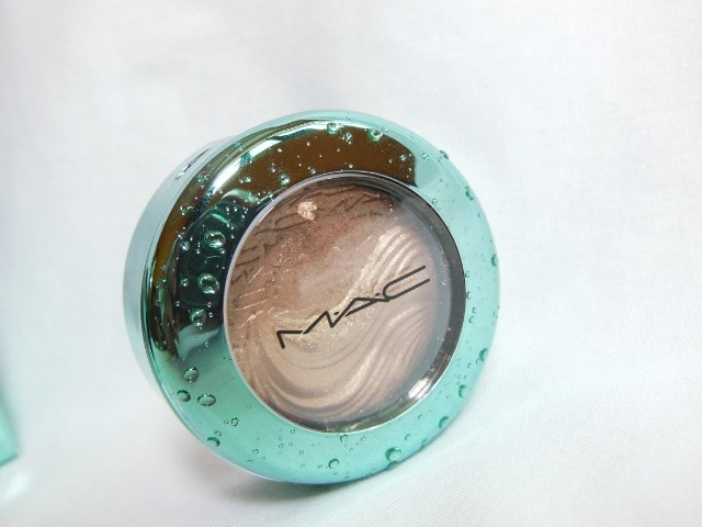 MAC Aquatic Collection Extra Dimension Lorelei  Eye Shadow