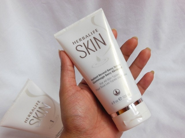 Herbalife Skin Instant Reveal Berry Scrub review