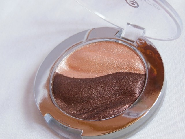 Essence 3D Irresistble Choco CupCake Eye Shadow