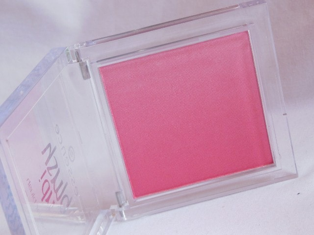 Essence Blush Up Pink Flow Powder Blush Packaging