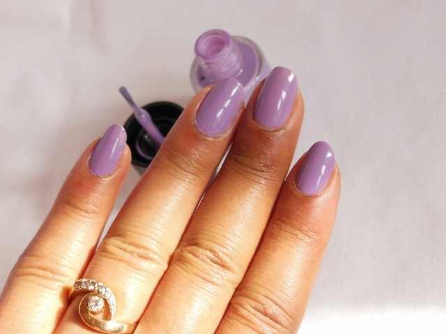 Maybelline Colorshow Nail Paint Blackcurrant Pop NOTD