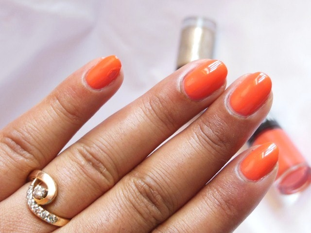 Maybelline Colorshow Nail Paint Orange Fix NOTD 1