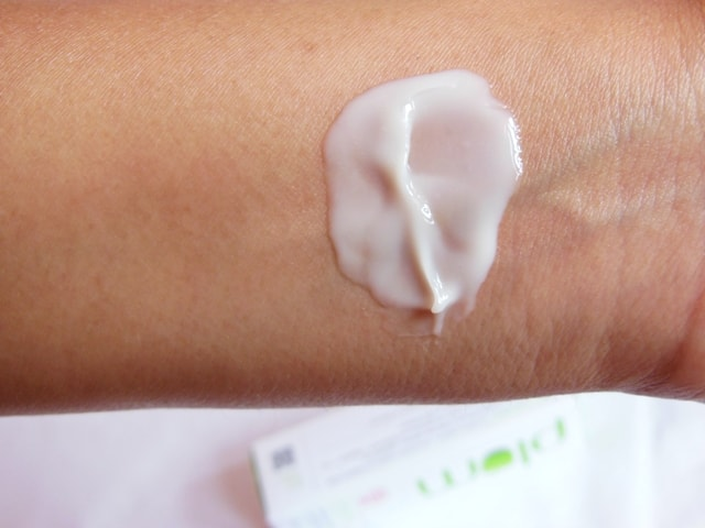 Plum Aloe Day Moisturizer Swatch 1