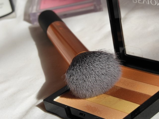 Real Techniques Core Collection - Buffing Brush review