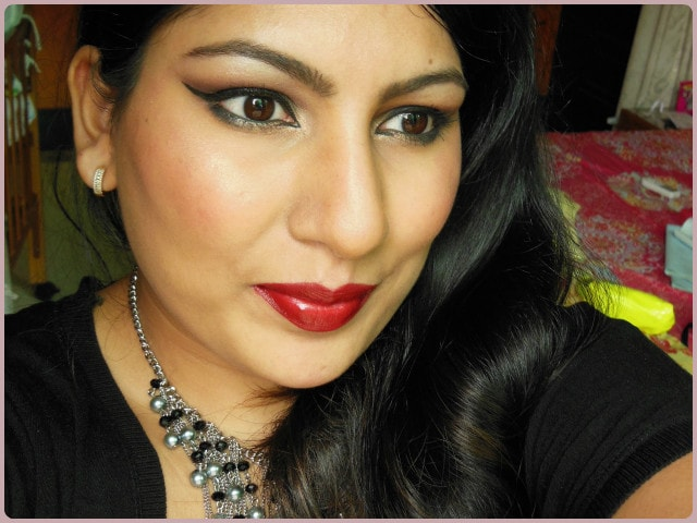 Revlon Superlustrous Blackberry Lipstick Look
