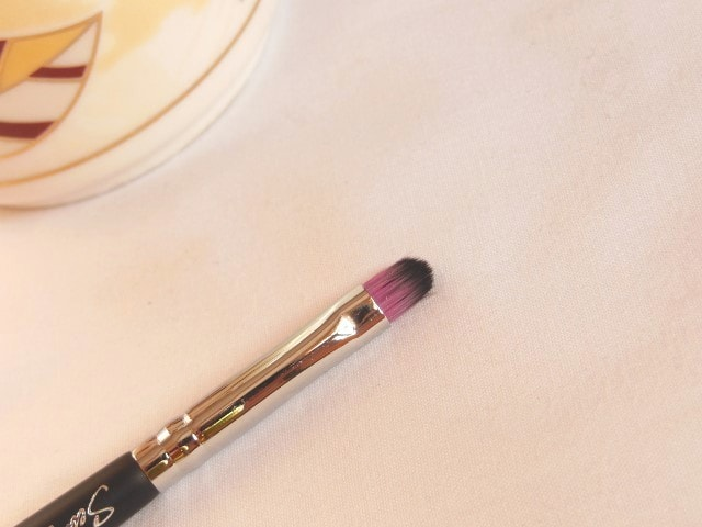 Sedona Lace Makeup Brush - Capped Lip Brush LB 25 Review
