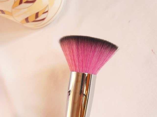 Sedona Lace Makeup Brush - Flat Top Buffer Brush Review