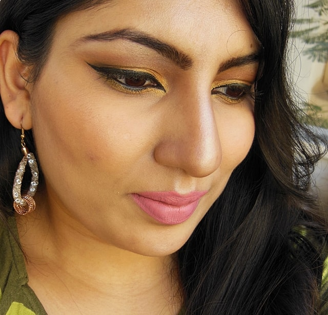 Golden Smokey Eye Makeup FOTD