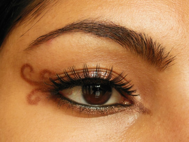 Swirly Winged Eye Liner Eye Look