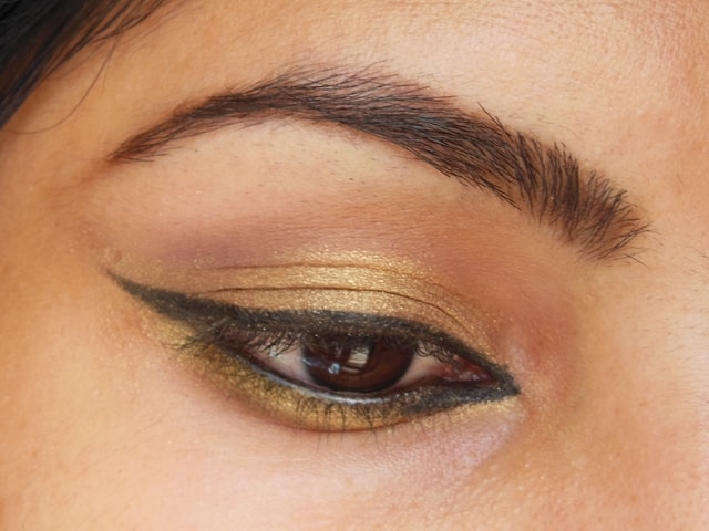 Easy Golden Eyes Look