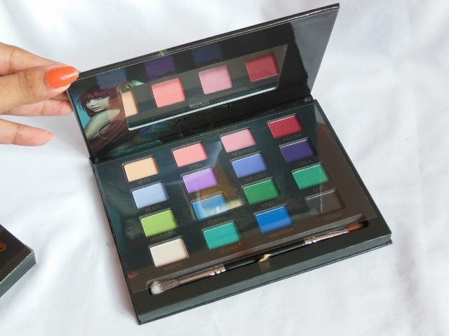 Sedona Lace Mermaids Eye Shadow Palette with Brush