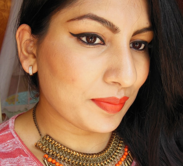Plum NaturStudio  Kohl Kajal Makeup Look