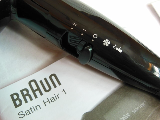 Braun Hair Satin 1 Style and Go Hair Dryer Controls