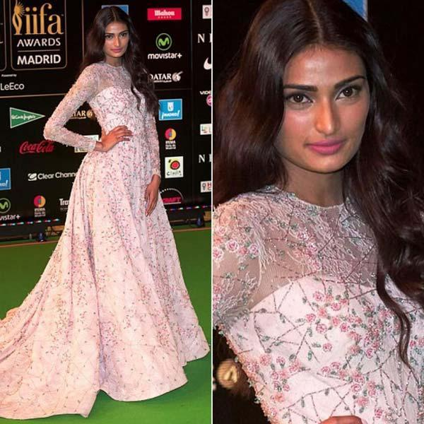 5 Best Dressed Celebrities at IIFA 2016 -Aathiya shetty 1