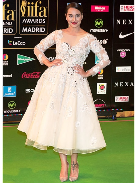 5 Best Dressed Celebrities at IIFA 2016 -Sonakshi sinha