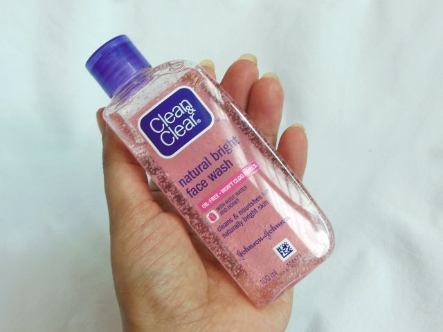 Clean&Clear Natural Bright Face Wash Review