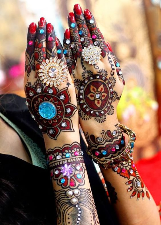 15-best-karwa-chauth-mehendi-designs-colorful-stones-heena-designs