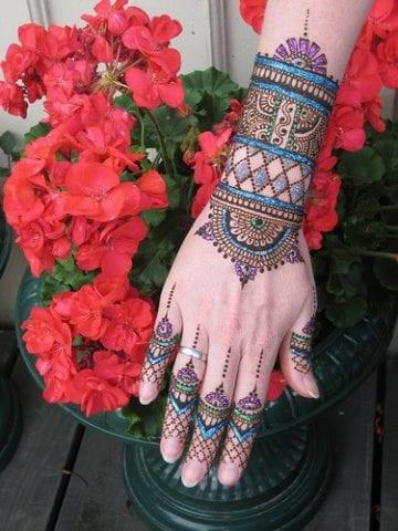 15-best-karwa-chauth-mehendi-designs-glitter-mehendi-design-4