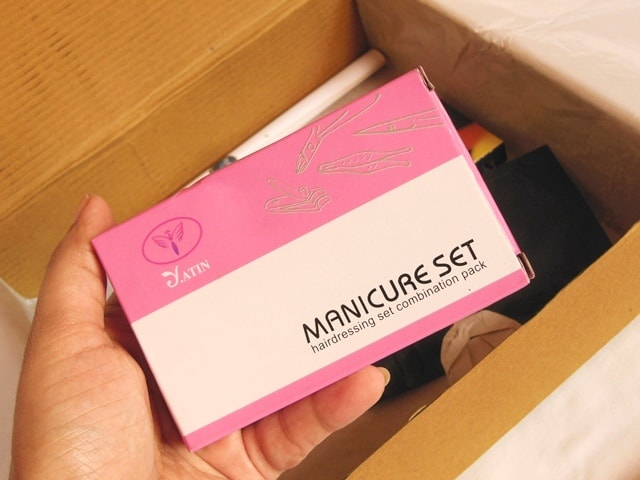being-juliet-period-subscription-box-manicure-set