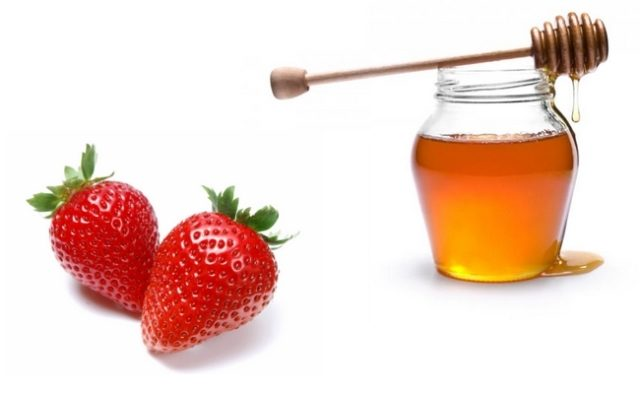 strawberry-face-mask-recipes-at-home-strawberry-and-honey