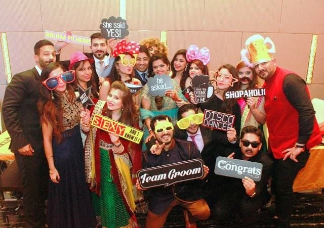 10-best-photobooth-inspirations-for-wedding-celebrations-speak-your-mind