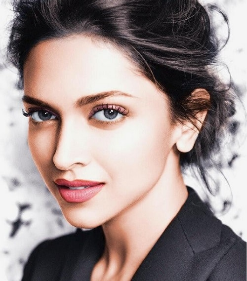 beauty-secrets-of-deepika-padukone-tips-and-diet
