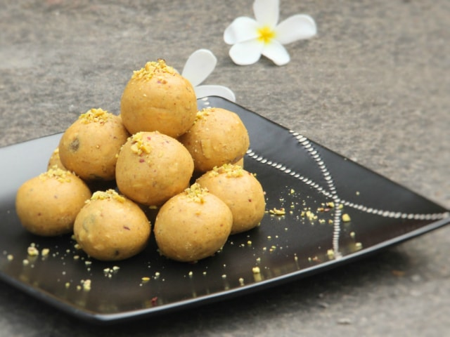 best-ways-to-celebrate-green-diwali-homemade-diwali-sweets