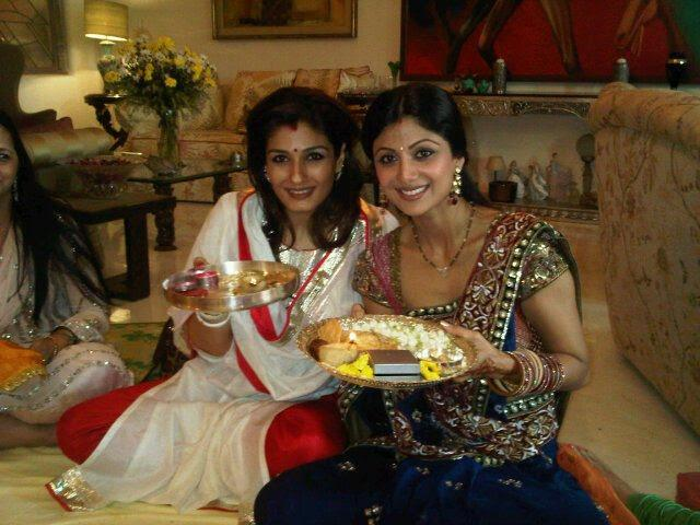 bollywood-karwa-chauth-celebrations-shilpa-shetty-and-raveena-tandon