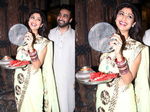 bollywood-celebrities-karwa-chauth-outfit-shilpa-shetty-yellow-saree-2
