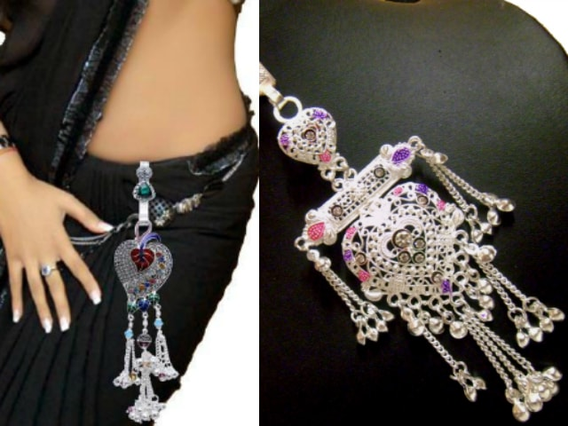 must-have-vintage-jewelry-for-indian-brides-traditional-saree-keyring